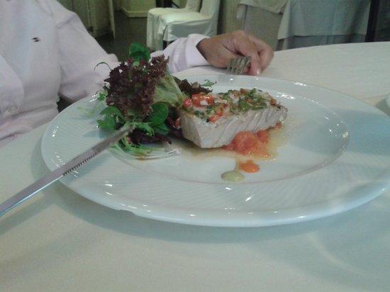 Restaurante Zuria: ensalada de ventresca de bonito a la brasa