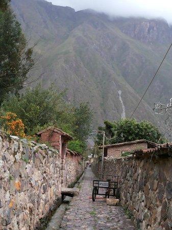 Temple d'Ollantaytambo : vielas da cidade com sistma de distribuição de aguas