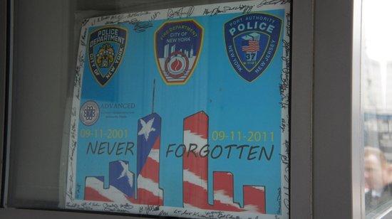 FDNY Memorial Wall : Mémorial