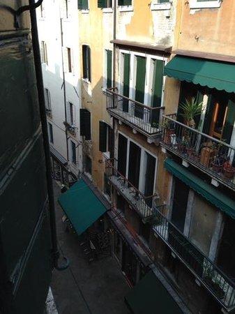Hotel Concordia: View from Room 303 - so many noisy restaurants!
