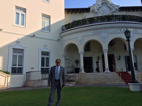 Country Club Lima Hotel: Saliendo del Hotel hacia el Foro de Lima
