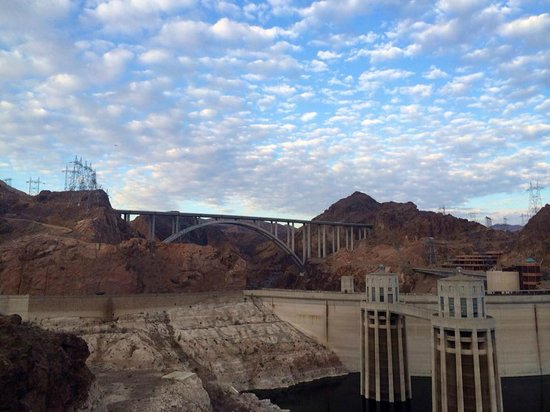 Bighorn Hummer Tours : More Hoover Dam.