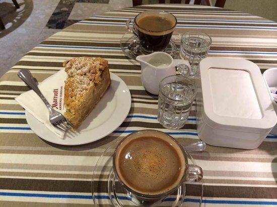 Armenia Marriott Hotel Yerevan: Cafe - Yerevan Marriott Hotel
