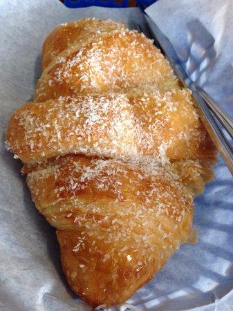 Paris Bakery Cafe : Banana chocolate croissant