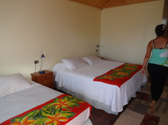 Taura'a Hotel: triple room