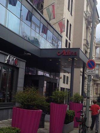 Adina Apartment Hotel Frankfurt Neue Oper: front of Adina Franfurt