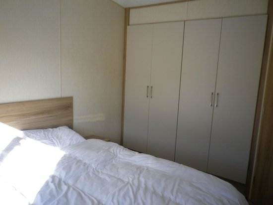 Camber Sands Holiday Park - Park Resorts: Main bedroom