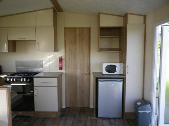Camber Sands Holiday Park - Park Resorts: Kitchen