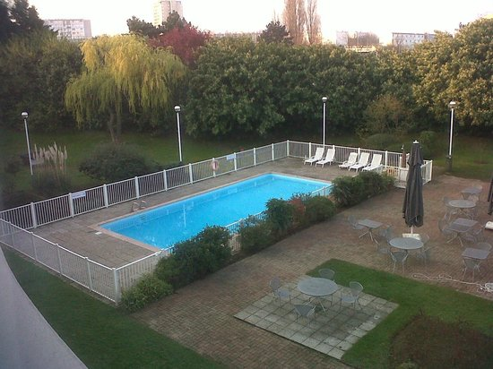 Mercure Paris le Bourget : Piscina