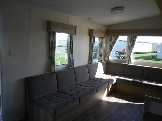 Camber Sands Holiday Park - Park Resorts: Front room