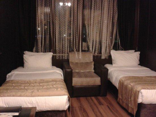 Arasta Boutique Hotel: Hay otra cama más de matrimonio