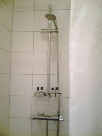 Hotel Klettur : Walk-in shower