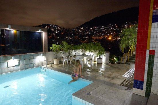 South American Copacabana Hotel : бассейн на крыше