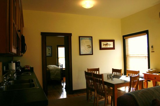 Murray Hotel: Enjoy our two bedroom suites with a huge
