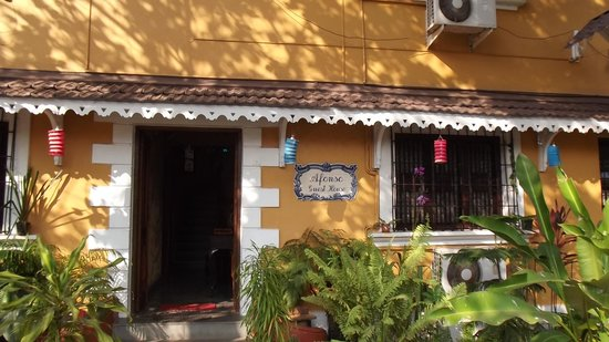 Afonso Guest House : Front View