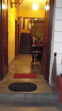 Afonso Guest House : entrance