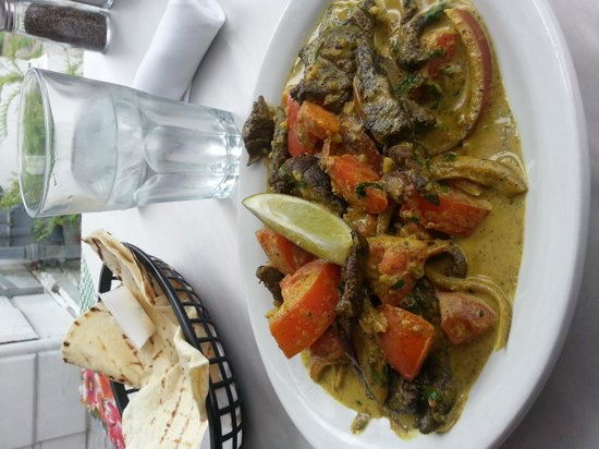 Santiago's Cafe: Curried Beef