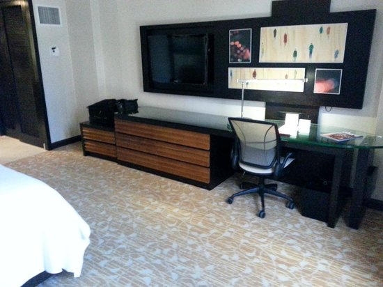 The L.A. Hotel Downtown: Plenty of space for luggage