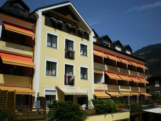 Alpine City Wellness Hotel Dominik: Hotel Dominik