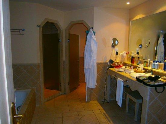 Gran Castillo Tagoro Family & Fun Playa Blanca: bathroom