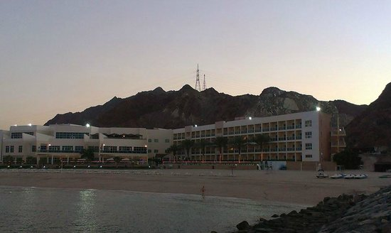Radisson Blu Resort Fujairah: Main building