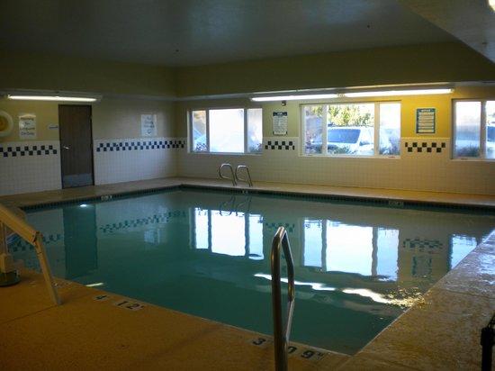 Holiday Inn Express Ashland : Pool
