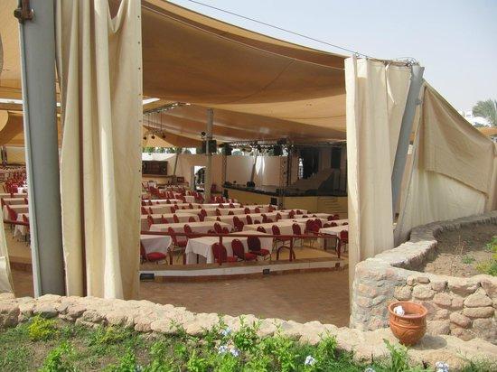 Domina Hotel & Resort Harem: Амфитеатр у центрального пляжа
