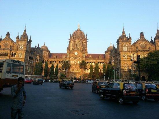Chhatrapati Shivaji Terminus: Outside view