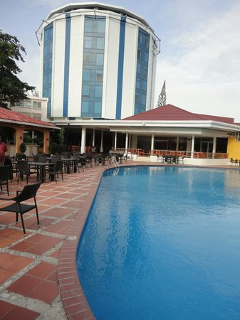 Pegasus Hotel Guyana: Poolbereich