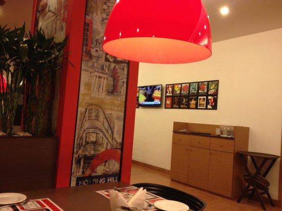 Red Fox Hotel, Delhi Airport: Dining
