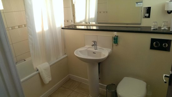 Best Western Kings Manor Hotel: Bathroom