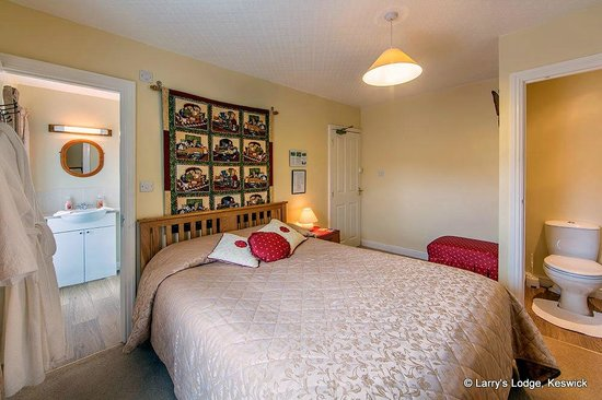 Larry's Lodge: Bab's, ensuite double room on our 2nd floor