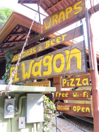 El Wagon : Sign from the main road