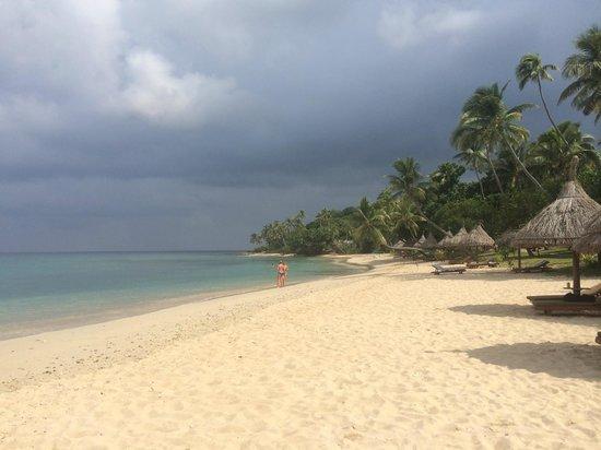 Paradise Cove Resort : beach
