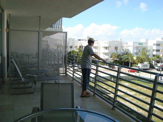 Z Ocean Hotel South Beach : Il nostro piccolo balcone con idromassaggio