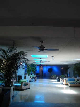 Z Ocean Hotel South Beach : Ingresso su Ocean Drive