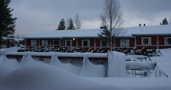 Lapland Hotel Sirkantahti: Vieuw outside from our room