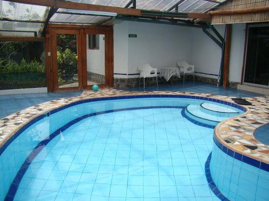 Hosteria Airport Garden: piscina