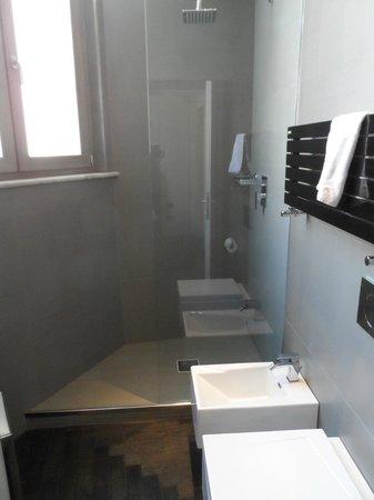 Piazza Del Gesu Luxury Suites: washroom