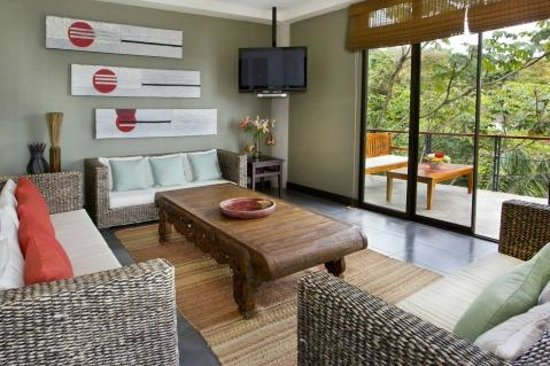 Villa Perezoso : Relax in the large Entertainment Room
