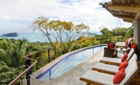 Villa Perezoso : Pool deck;partial view--dramatic ocean views