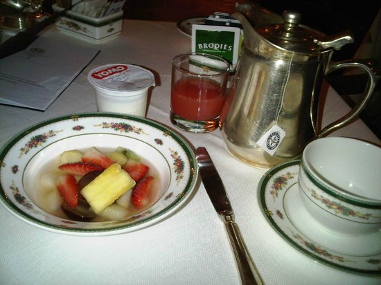 "Grand Hotel Majestic ""Già Baglioni"" : breakfast"