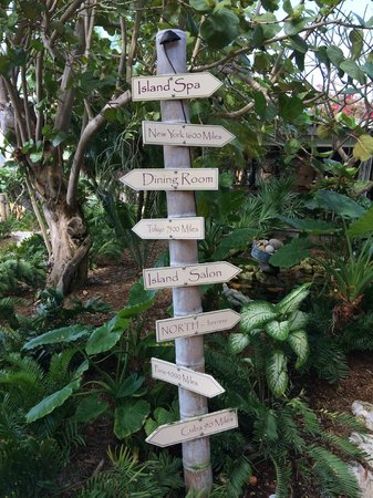 Little Palm Island Resort & Spa, A Noble House Resort: Little Palm Island - Sign Post