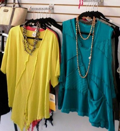 La Paloma Boutique: Blouses