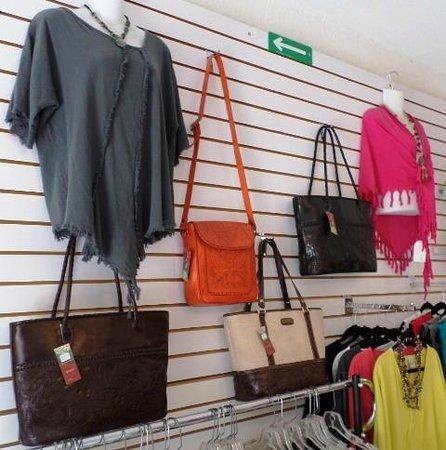 La Paloma Boutique: Purses