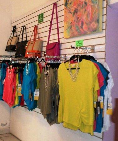 La Paloma Boutique: Many Colors
