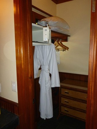 Little Palm Island Resort & Spa, A Noble House Resort: Little Palm Island - Island Grand Suite - Second Closet