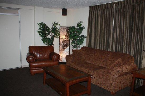 The Vegas Motel: Master Suite Sitting Area
