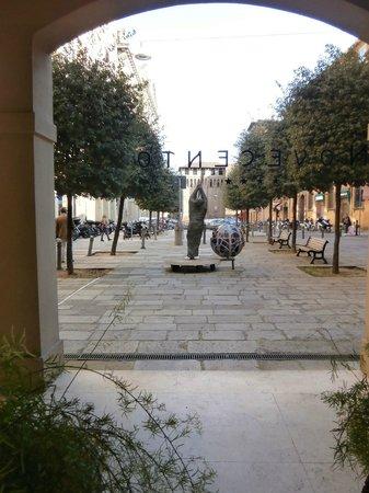 Art Hotel Novecento : piazza galileo vista dall'hotel