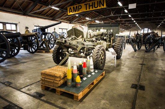 Musee Armee Suisse : Canons de 10,5